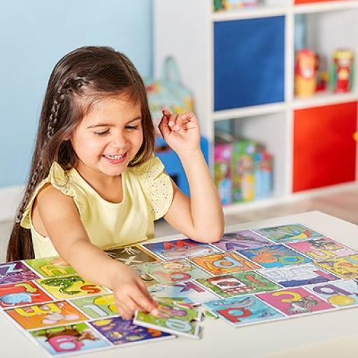 orchard_toys_big_alphabet_jigsaw_lifestyle_1_400.jpg